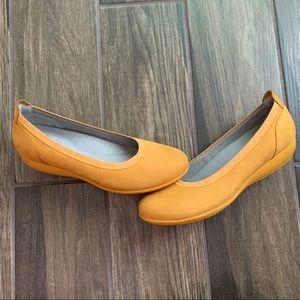 Dansko Kristen Ballet Flats Mango Yellow EURO 39